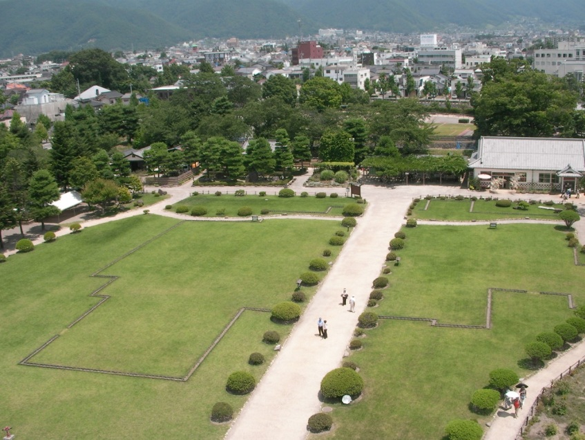 Outline of former main building inside Matsumoto-jo Castle