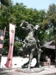 Uesugi Kenshin rides into the Takeda camp, Katana swinging